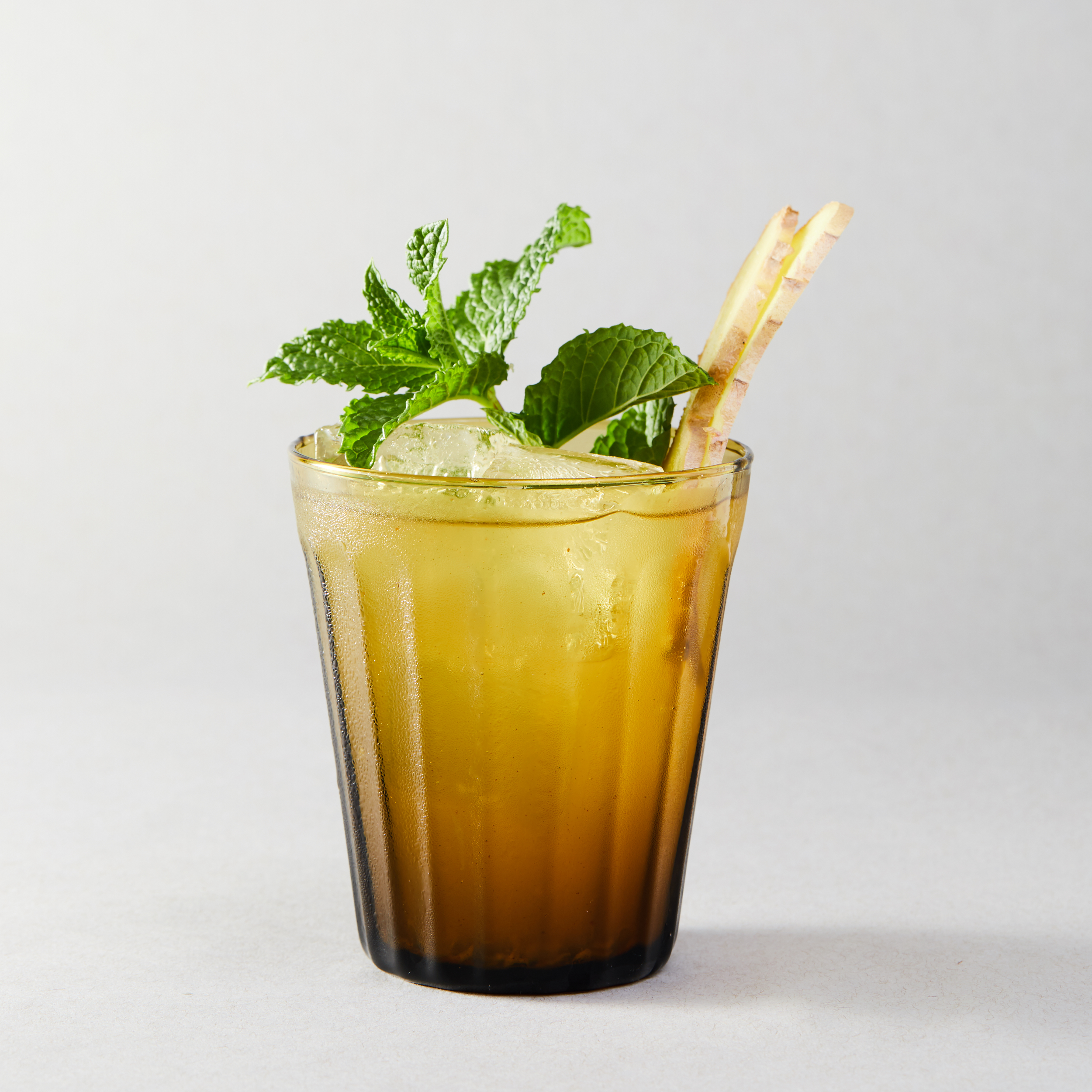 07_Mixers_Cocktails_Ginger_Mule_008.jpg