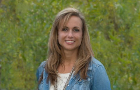 Amy Thomas - As Organizing Consultant, Amy brings 30 years of experience in areas demanding exceptional organizational skills--including Human Resources, Financial Management, Communications, and Design--to her role as Organizing Consultant. She specializes in transforming cluttered, overwhelming spaces and
