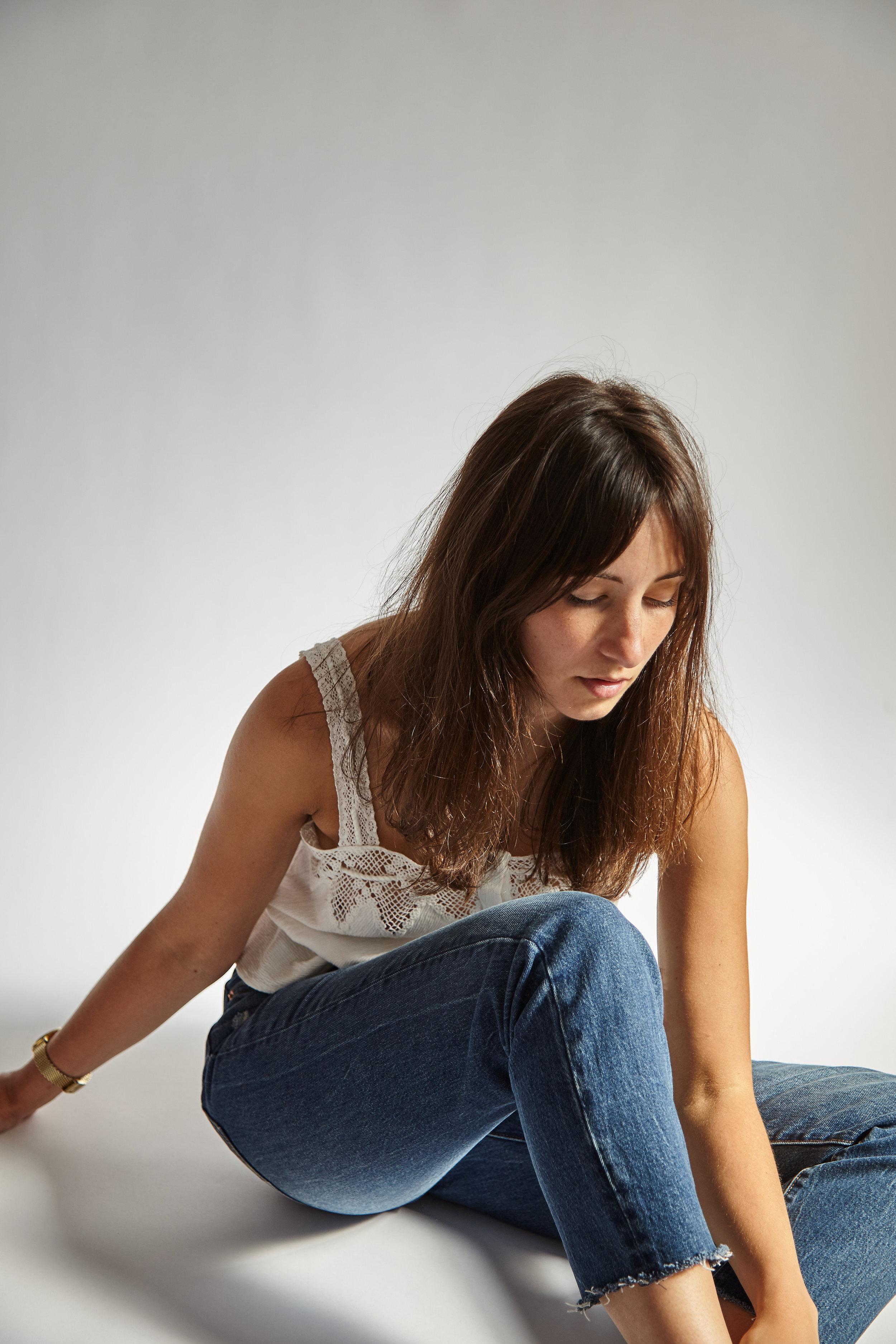 rosie_butcher_wearing_levis_jeans.jpg