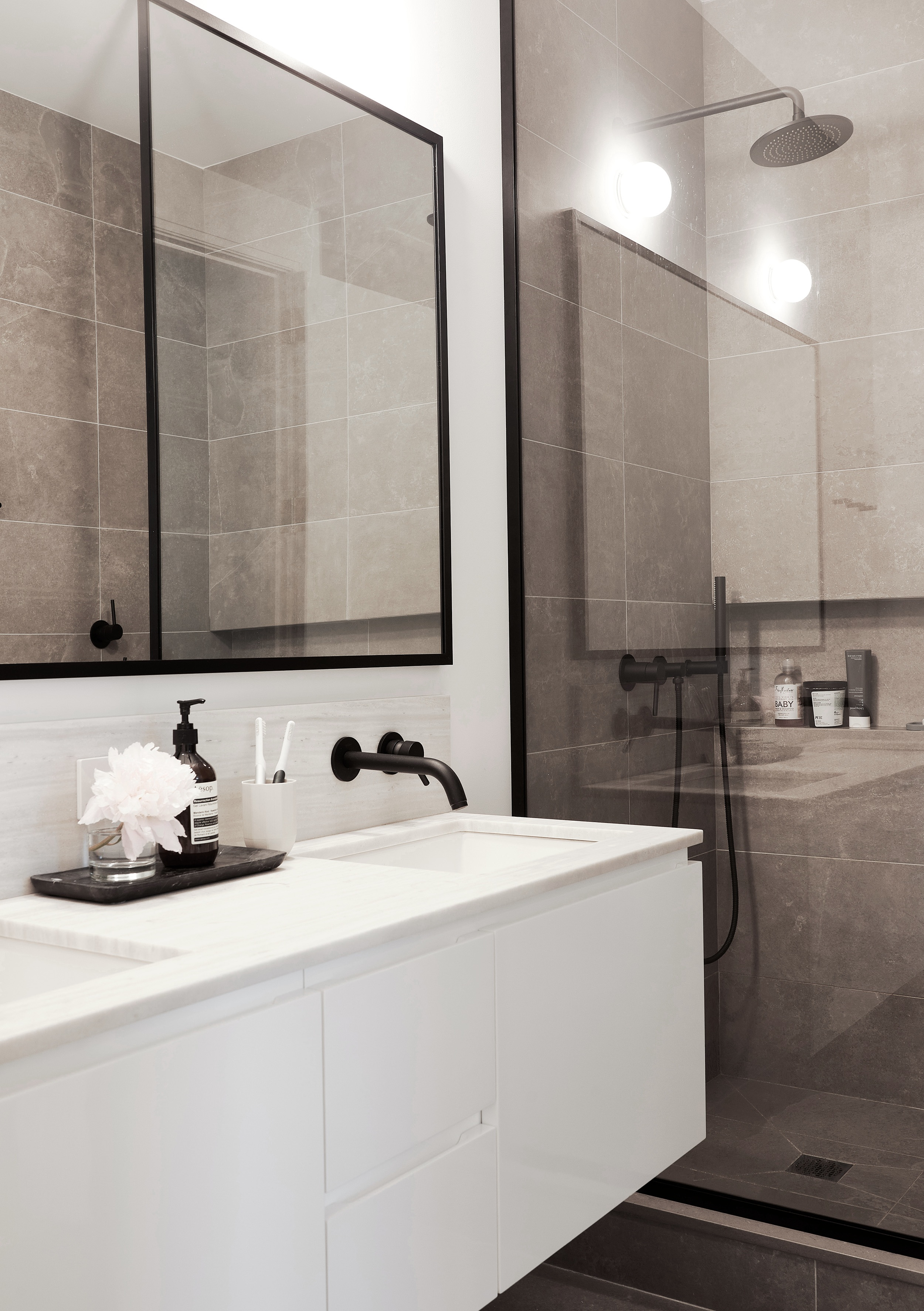 Shadow_Arch+Nomad+Loft+Bathroom.jpg
