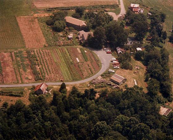Twin-oaks-off-the-grid-communities.jpg