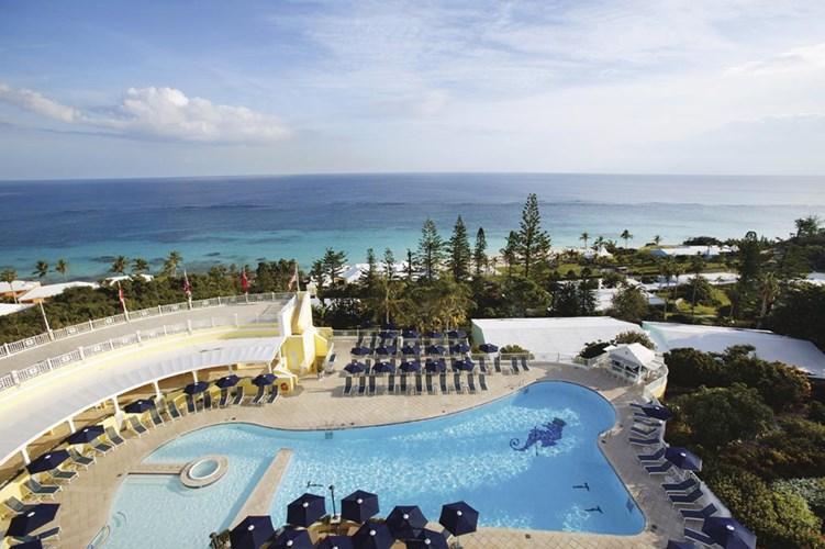 Elbow_Beach_Bermuda.jpg