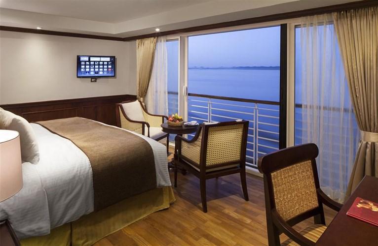 AmaWaterways_Balcony_Room.jpg