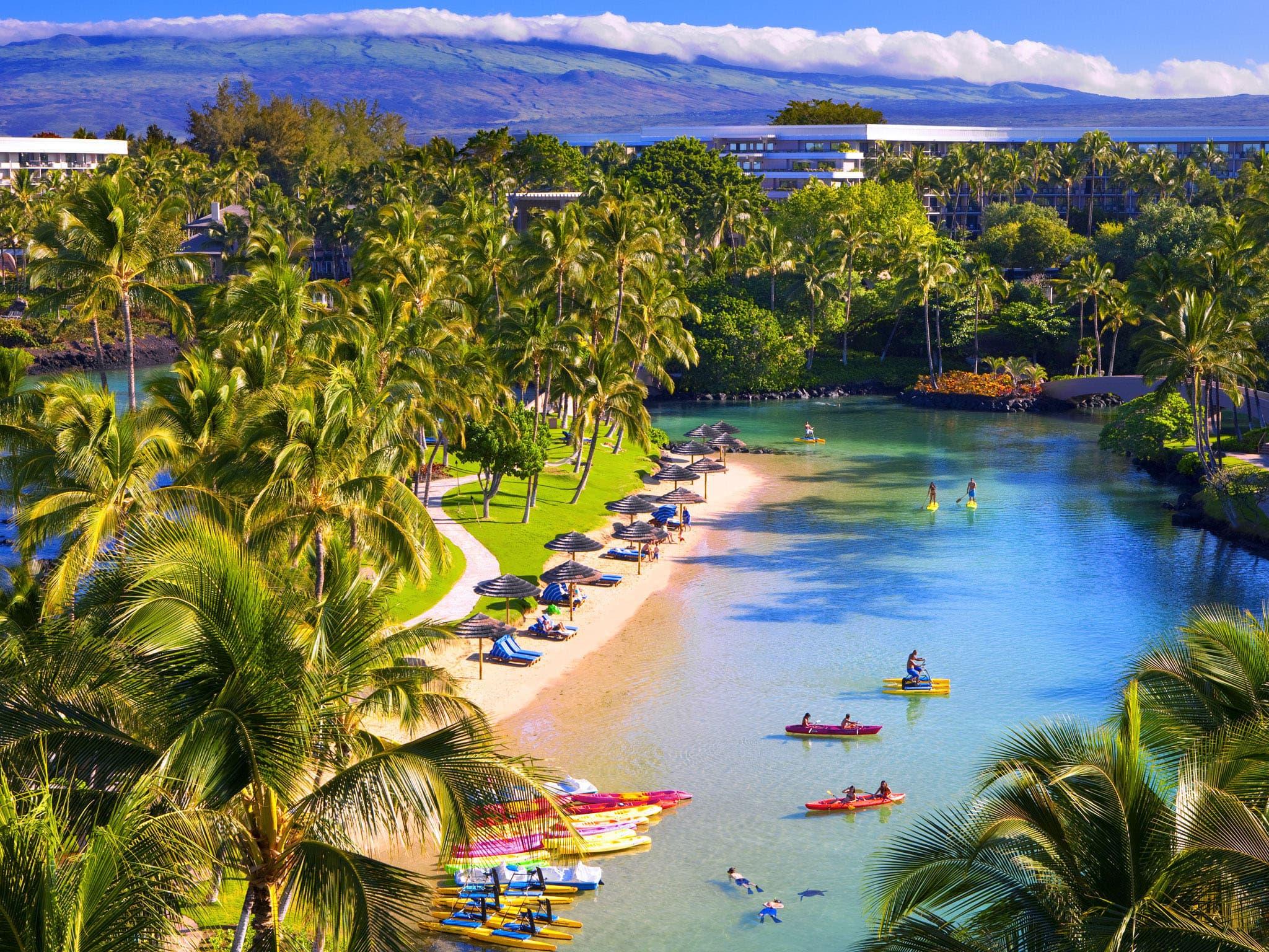 Hilton_Waikoloa_lagoon.jpg