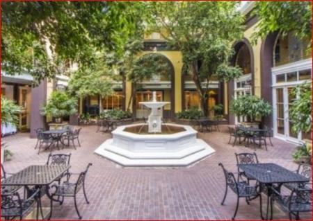 courtyard-Mazarin.JPG