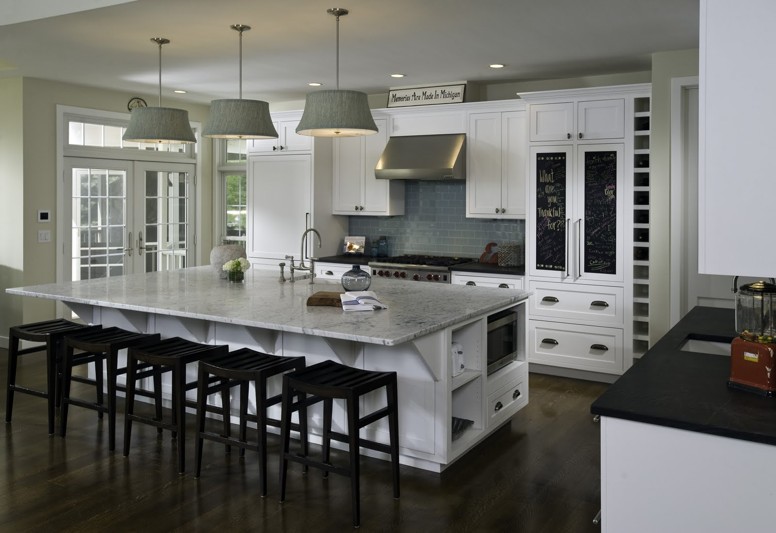 Large-Modern-Kitchen-Island.jpg