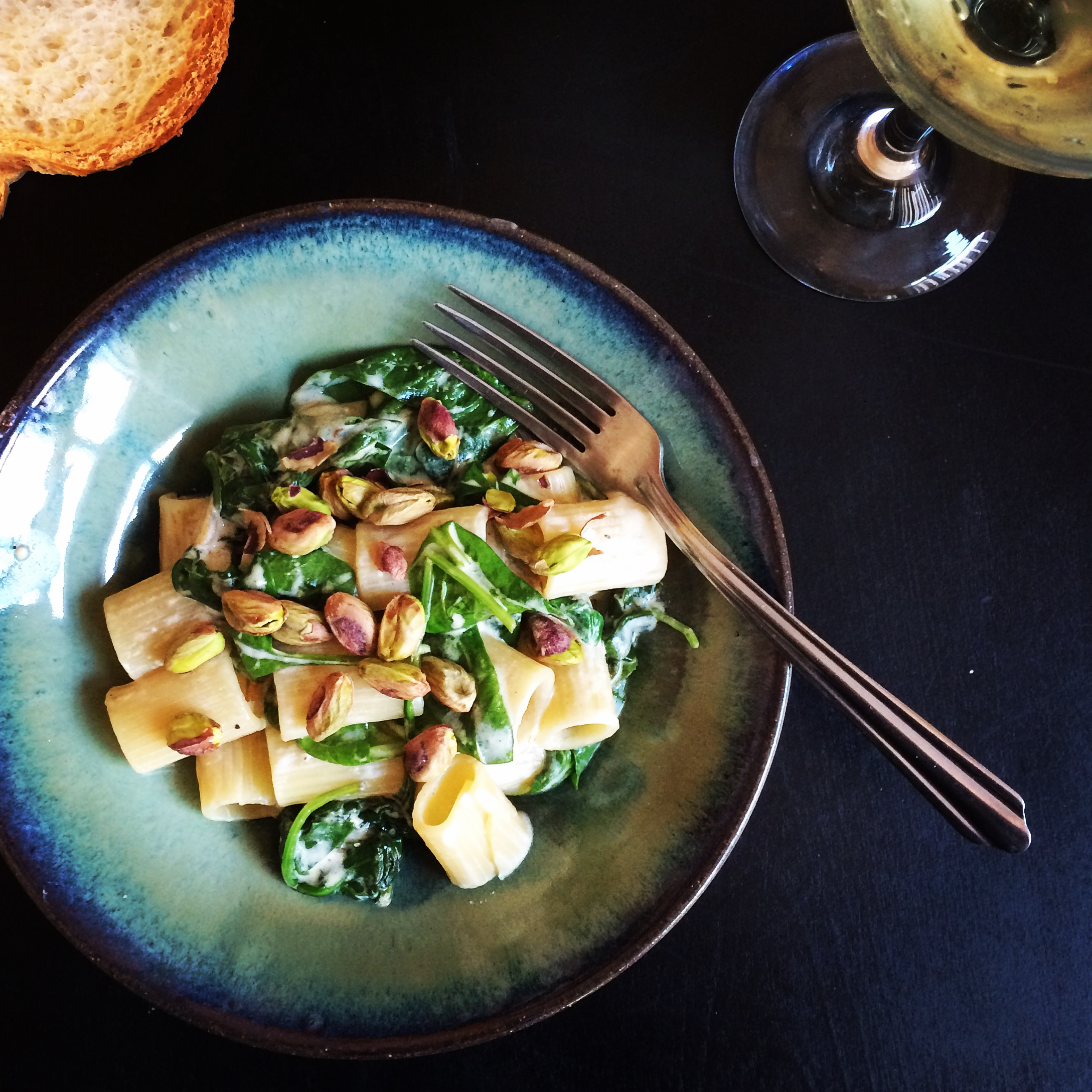 pistachio, goat cheese and spinach pasta