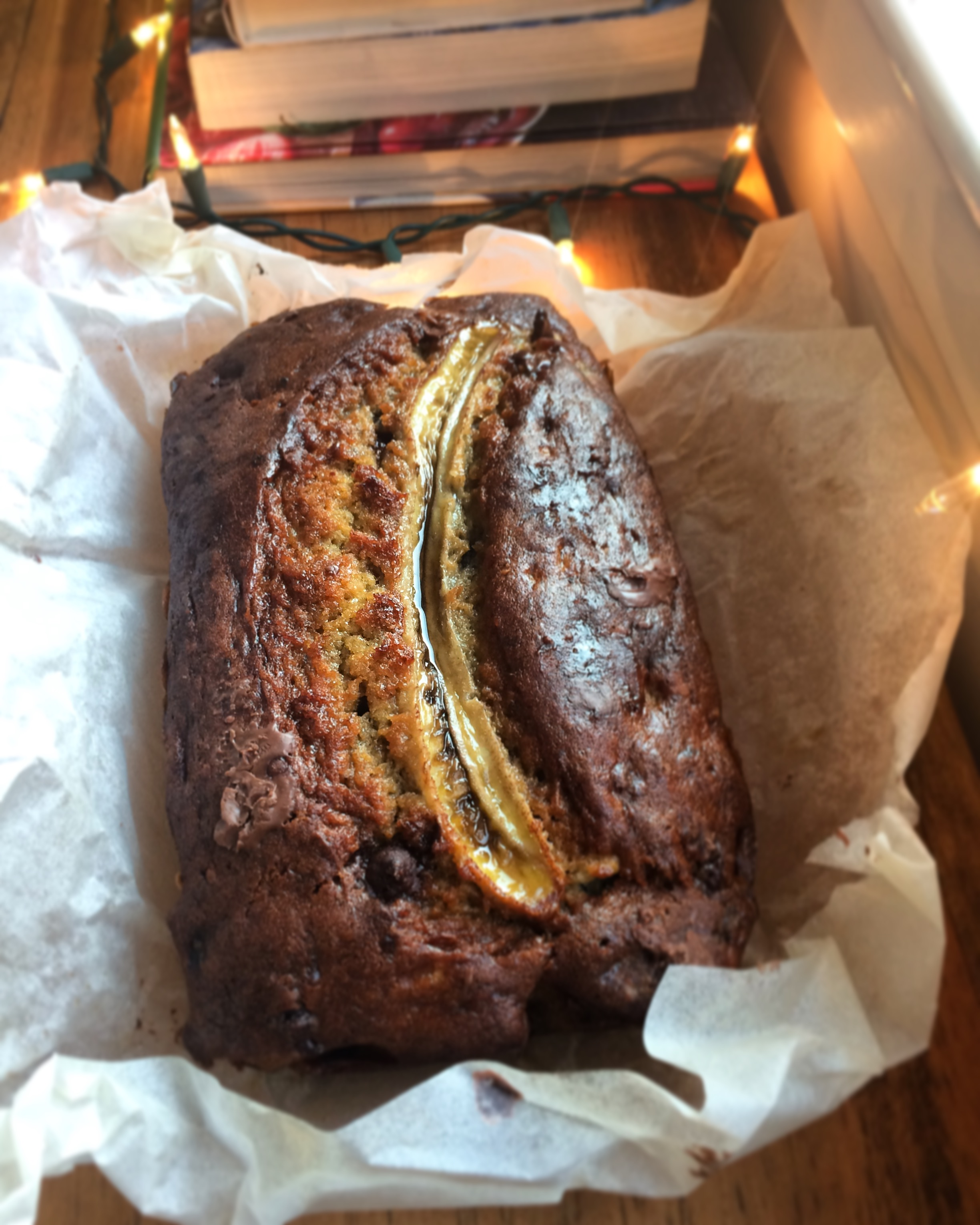 chocolate chip banana bread || planting my roots - a washington, dc-based food blog filled with nourishing and seasonal recipes