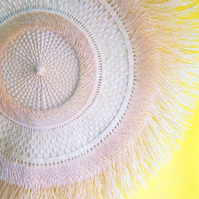 メキシコで出会った葦の茎を編む民芸品の職人さんの作品