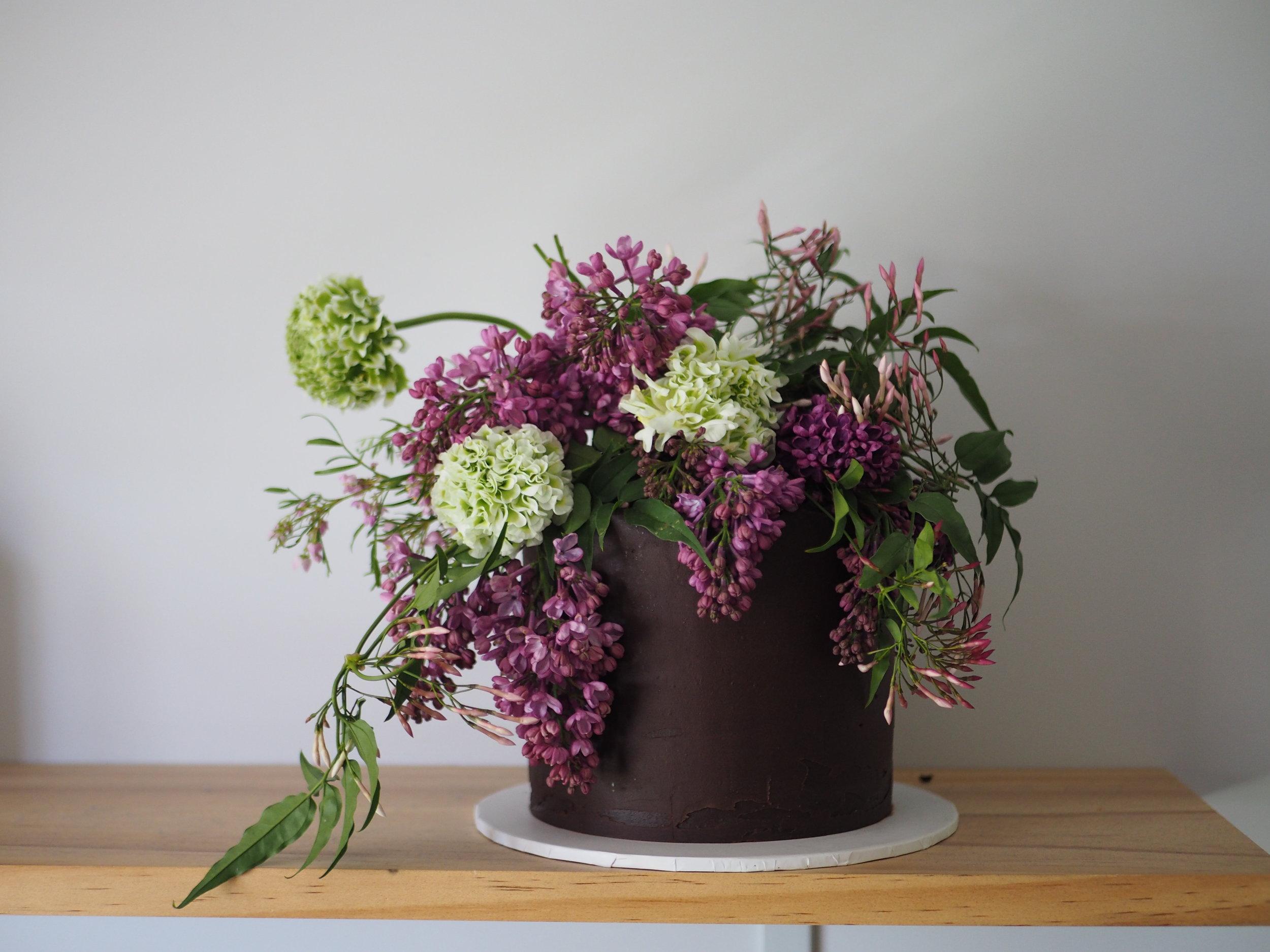 2017-10-13 Lilac cake 016.JPG