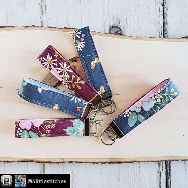 Remember the beautiful fabrics we posted last Wednesday? Look at the cute key fobs @6littlestitches made with it!! What would you make? Not  member yet? Use code COTTONCUTS to save 10% off your first month. . . #rileyblake #rileyblakedesigns #quilting #citrusandmint #keyfob #diykeyfob #quiltingfabric #diy #sewingproject #sewsewsew #instasew #sewin #sew #wildbouquetfabric #fabricsubscription #cottoncuts #iheartcottoncuts
