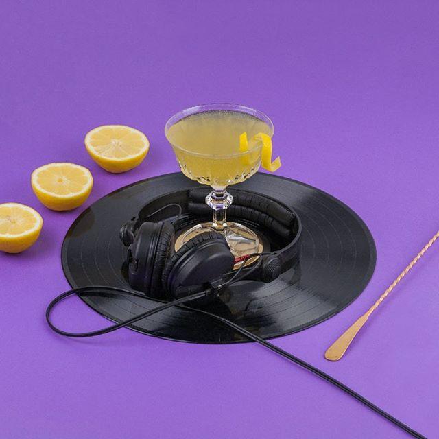 Prochain jeudi, laid back, sippin' on Gin&Juice, on vous attend au @paquebot_cafe pour une autre soirée cocktail, cette fois-ci inspirée par le golden age du Hip-Hop!