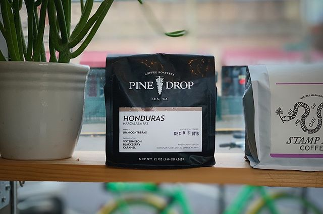 Enjoy a bag of our Honduran offering for the holidays. Available now on our website and @convoycoffee. 🤙🏽