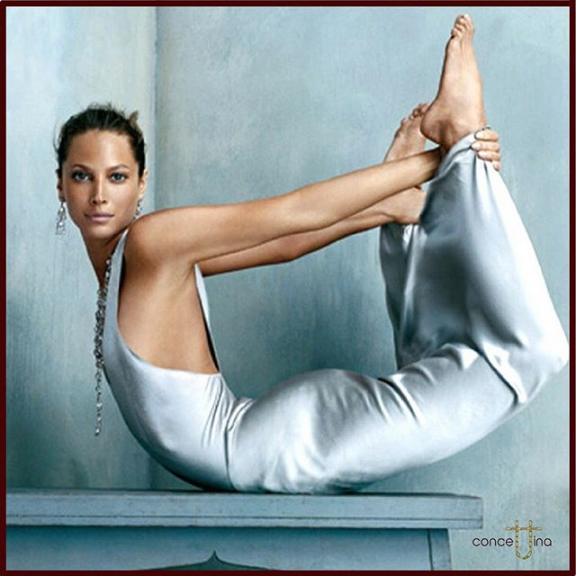 'A state of bliss' model Christy Turlington wearing Calvin Klein photographed by Steven Klein.  Vogue US Oct 2002 😍#christyturlington #calvinklein #stevenklein #vogue #vogueusa #2002 #yoga #bowpose #stateofbliss #blissful #supermodel #perfect #gorgeous #woman #curve #body #fashionblogger #instagood #fashion #fashionstyle #strength #back #abdominal #fitness #goals #love ❤️