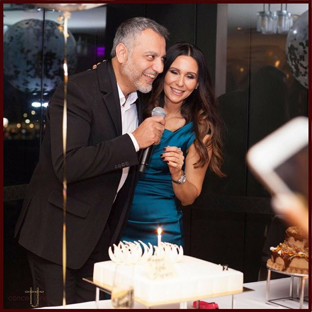 """""""Can I have some cake now please?"""" 🎂🤩 #love #loveofmylife #birthday #cake #yummy #celebrate #party #fun #memories #sydney #parkhyatt #balloons #family #friends #event #tbt #fashionstyle #luxuryhotel #partytime #food #eating #grateful #saturday ❤️🎈🙏"""