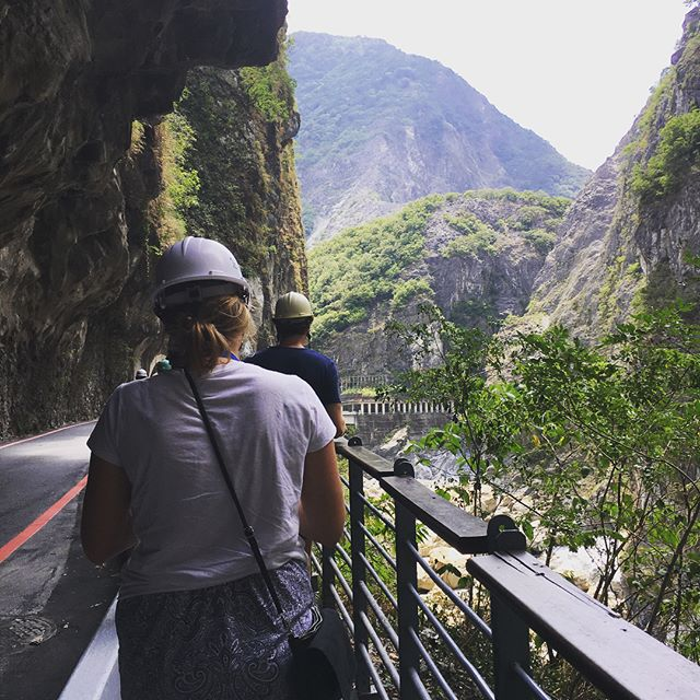 Pictures from Taroko national park and our very strange dinner, hot pot! Our journey continues and we are having a blast. Even after your exchange, the doors are open for more experiences!🌳🍚