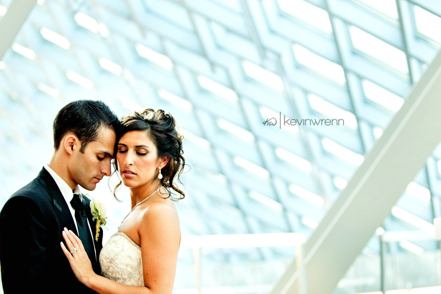Seattle_Wedding_Photographer_Marriot_Waterfront_b0049.jpg