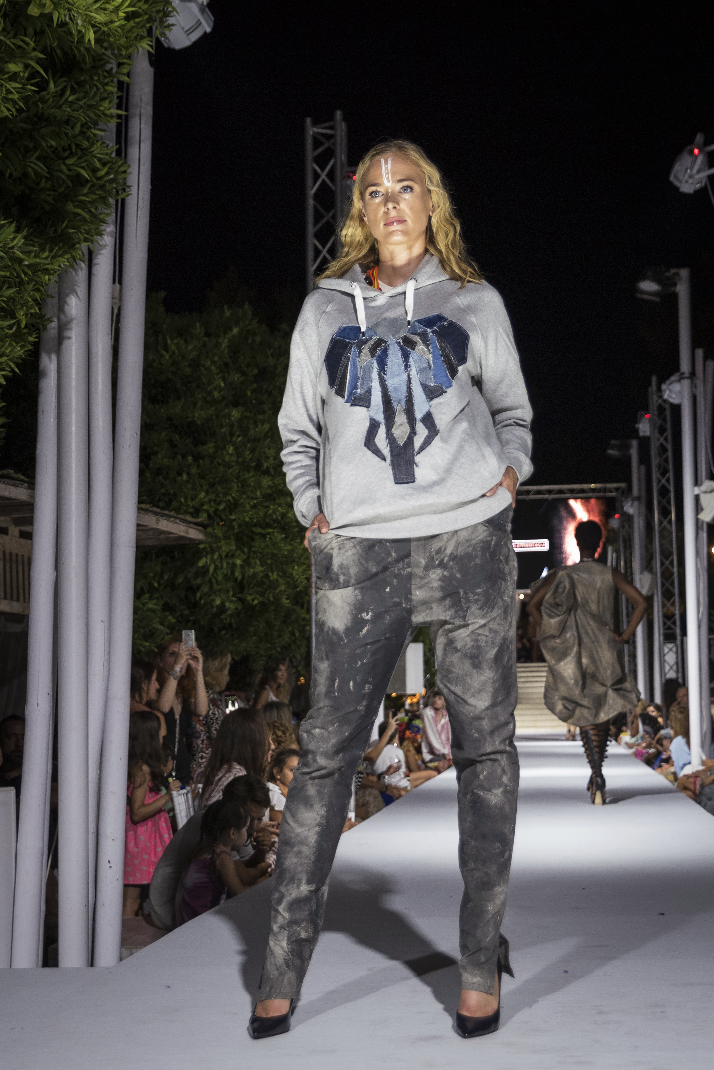 Atzaro Fashion Festival (160).jpg