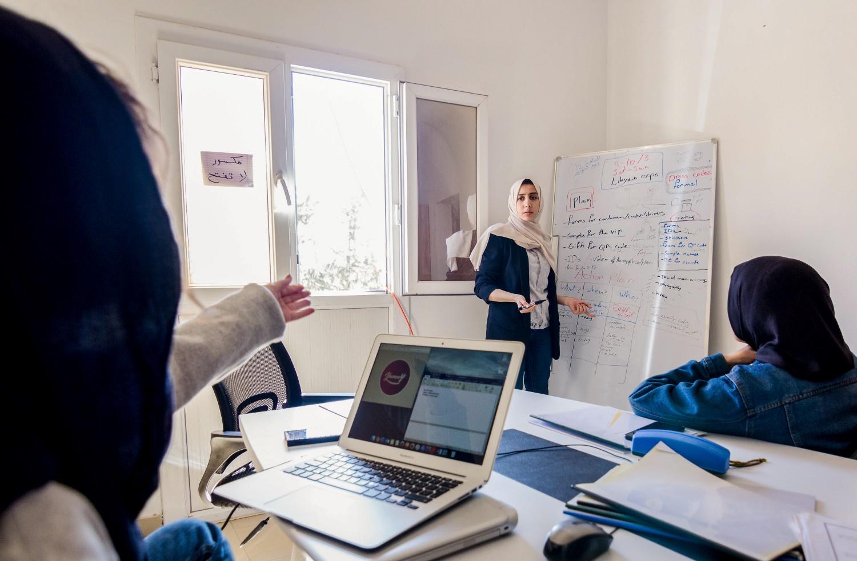 Fatima Nasser in a Yummy! app brainstorming session. UNDP Libya/Malek Elmaghrebi.