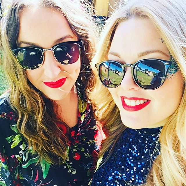 @wearemusichq ladies enjoying a very sunny #cwtchfest  Our @naomiraemusic and  @abiedavies from @fhweddingband ❤️ #weddingplannerwales #wedding #singers #livemusic #weddingband #welshwedding #glanusk @cwtchthebride @glanuskestate