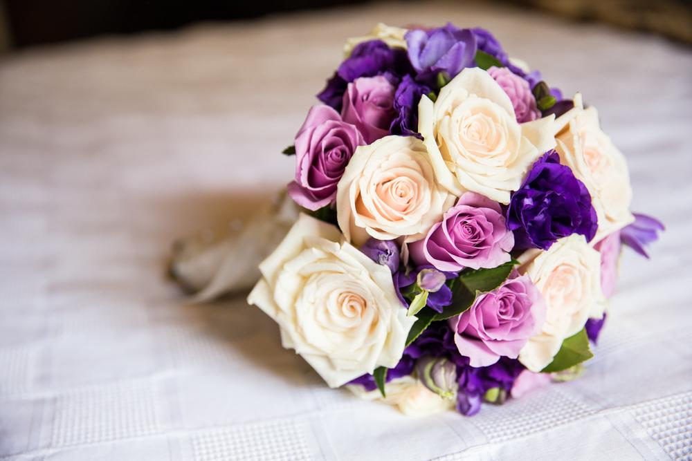 real roses wedding bouquet wedding photographer melbourne dandenong ranges victoria queenscliff geelong vue grand