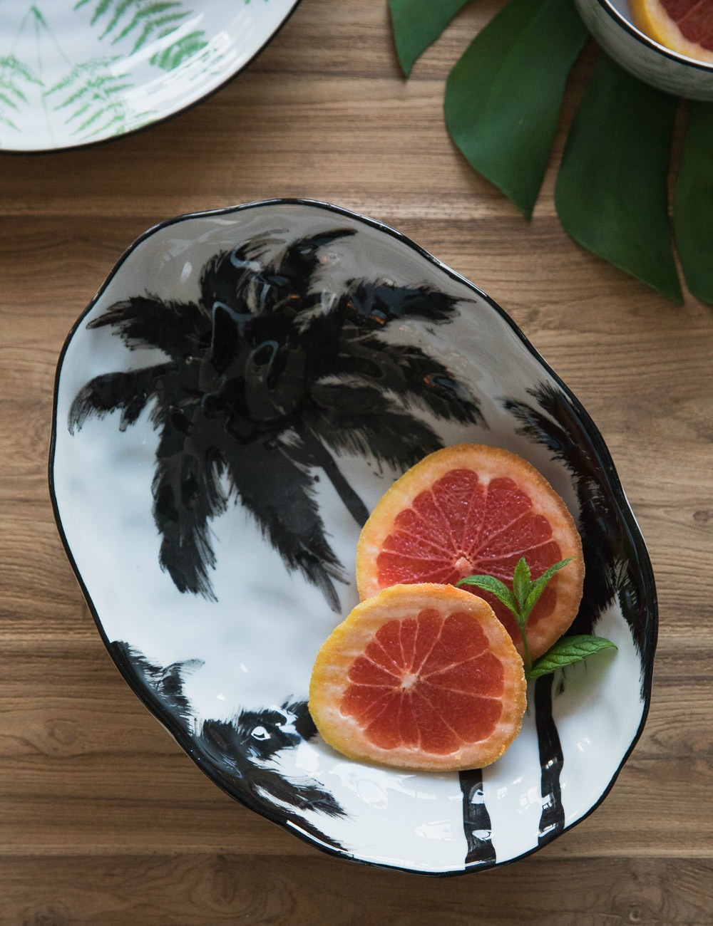 Palm Serving Bowl