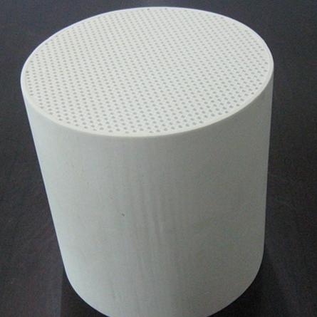 Filtersubstrat tillverkat av kordierit.