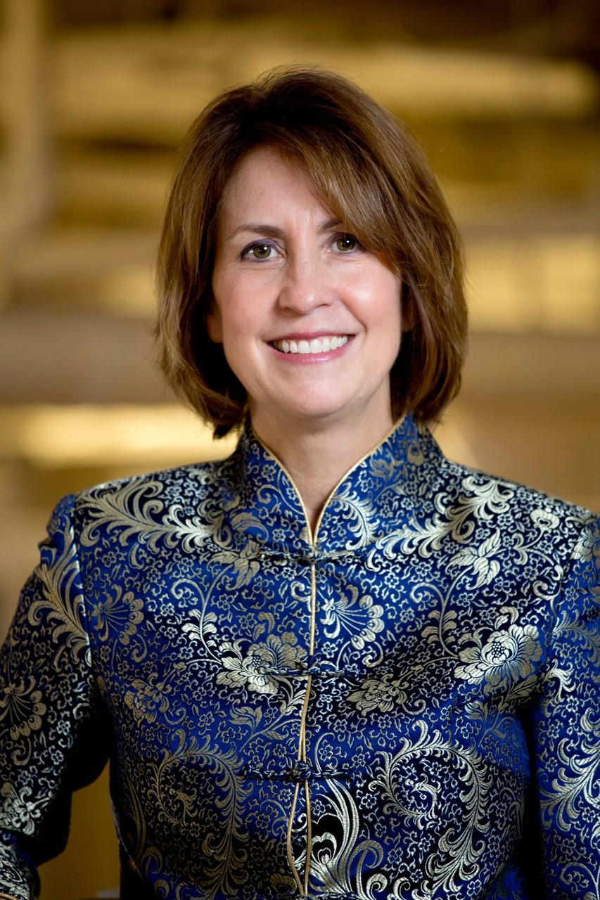Diane Holman Headshot.jpg