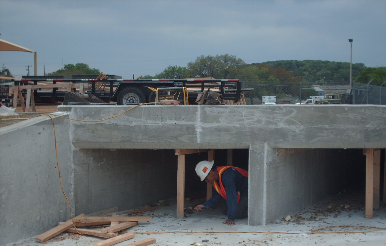 Continuing on box culverts - Site Q 005.JPG