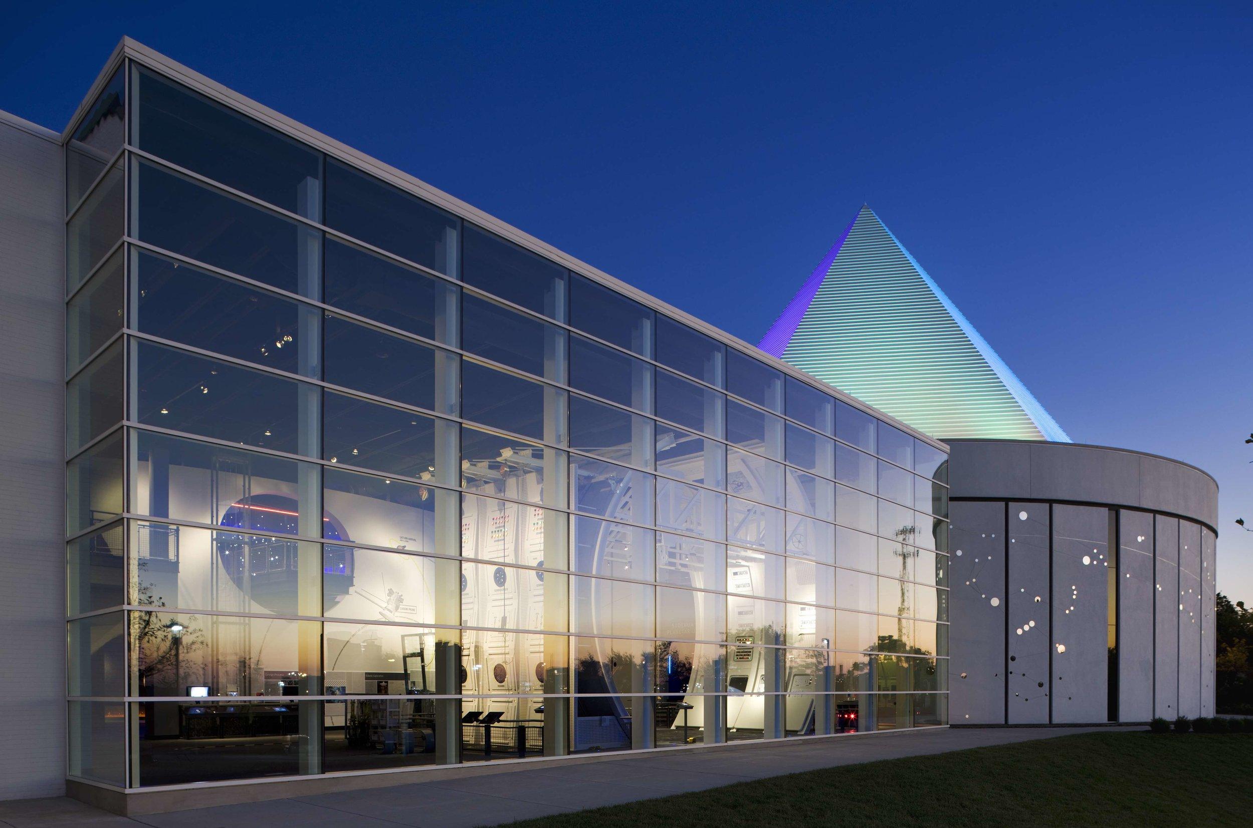 Adventure Science Center Air and Space Wing and Sudekum Planetarium