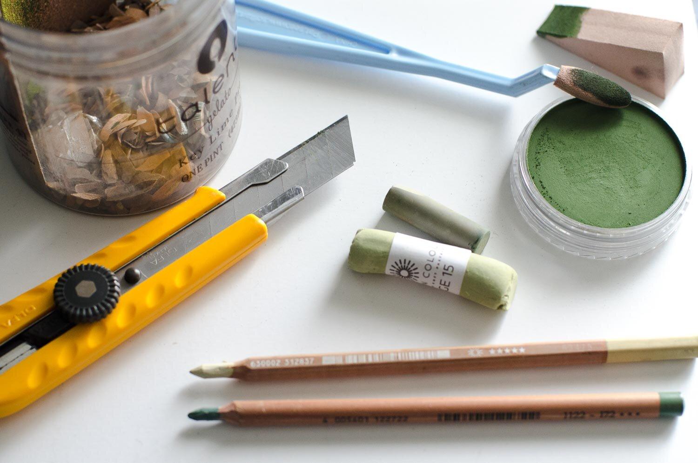 Pastel Supplies PanPastel Faber-Castell Pitt Caran d'Ache Pencils Kit Gray Illustration