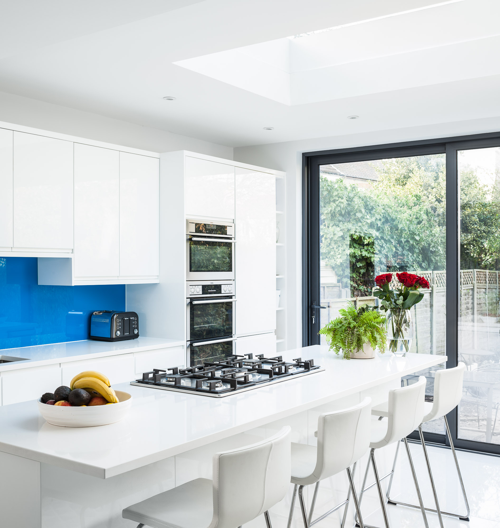 Richmond, TW9 - Kitchen Extension   A 4m ground floor extension to create a large kitchen/dining area. The works included refurbishing the whole ground floor adding in a utility space and a downstairs WC.