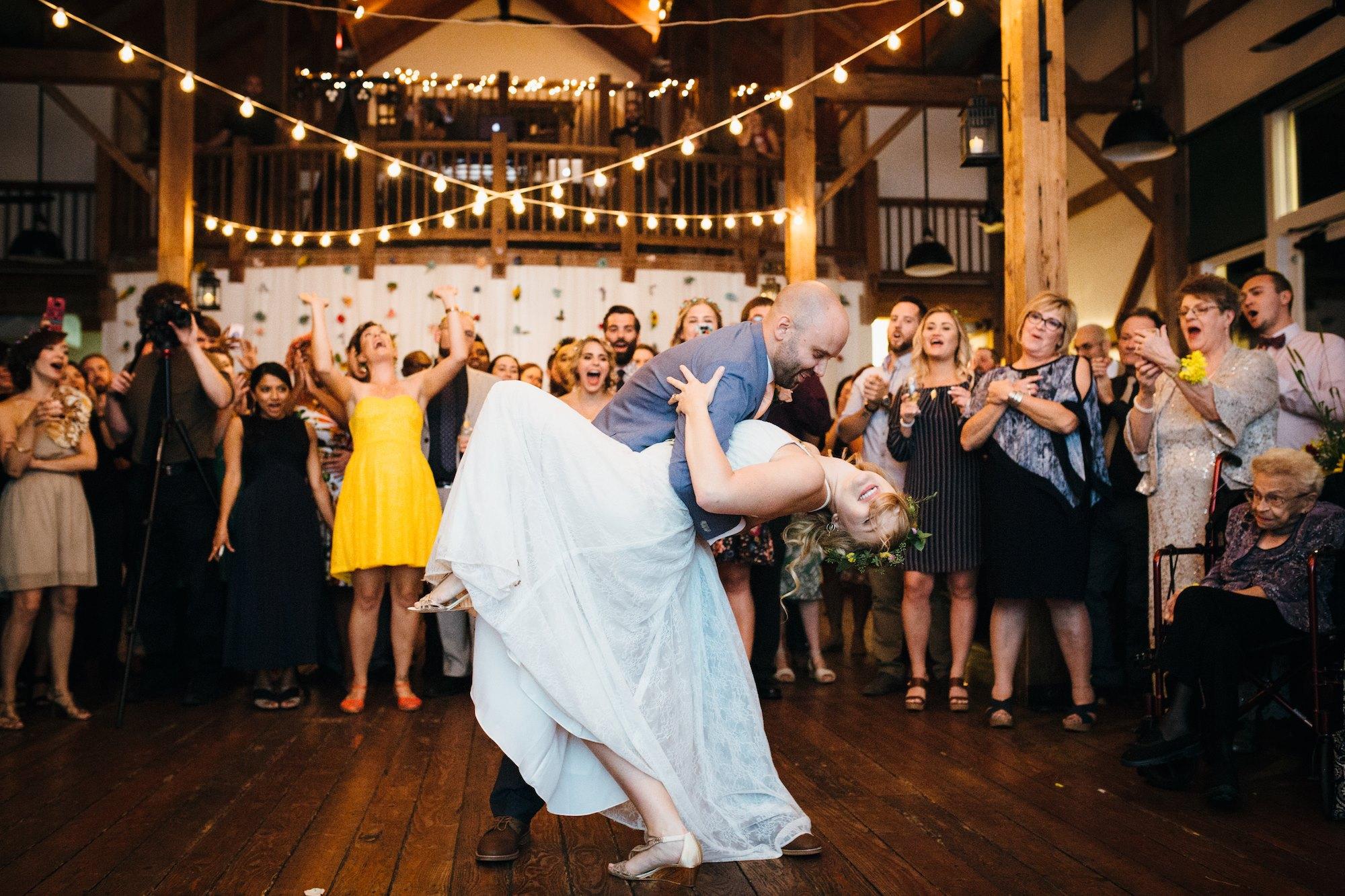barn_wedding_byron_colby_barn_partial_planning_wedding_destination