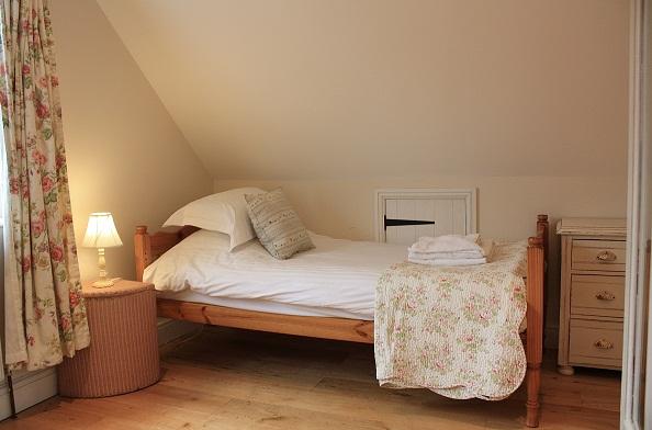 cottages-blakeney-bedrooms.jpg