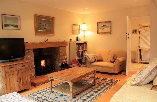 Log-burner-Blakeney-cottages.jpg