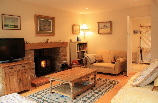 Blakeney-cottages-log-burner.jpg