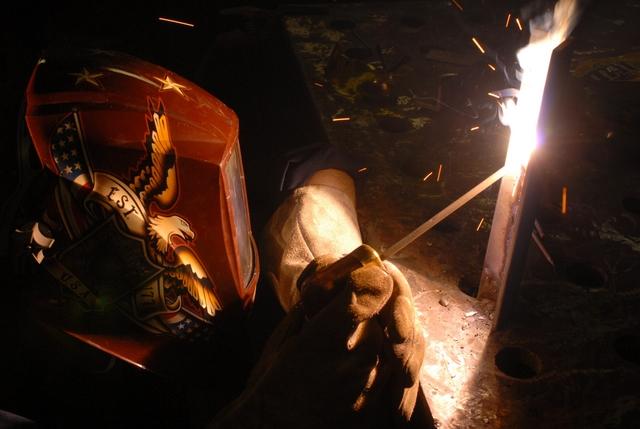 0420-0905-1423-1844_soldier_welding_metal_m.jpg