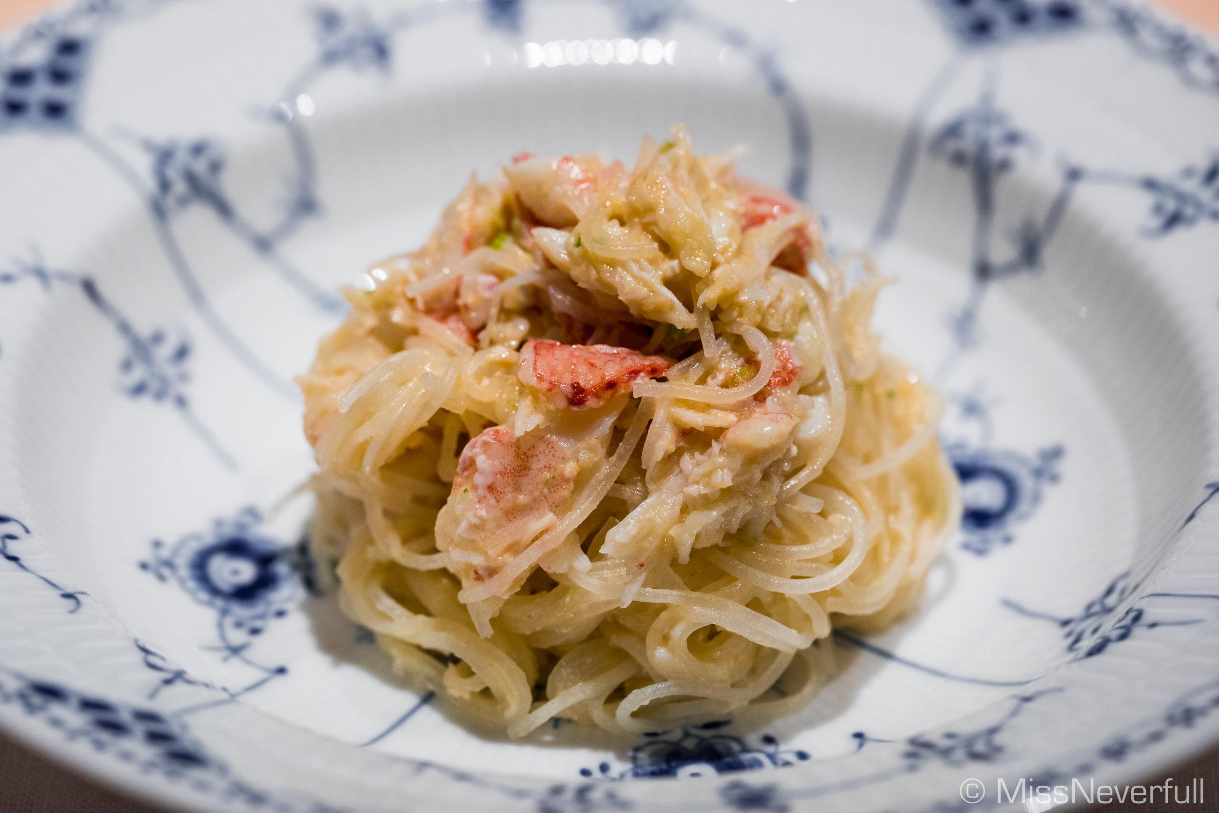 2.Kegani with vermicelli (噴火湾産の毛蟹とビーフン)