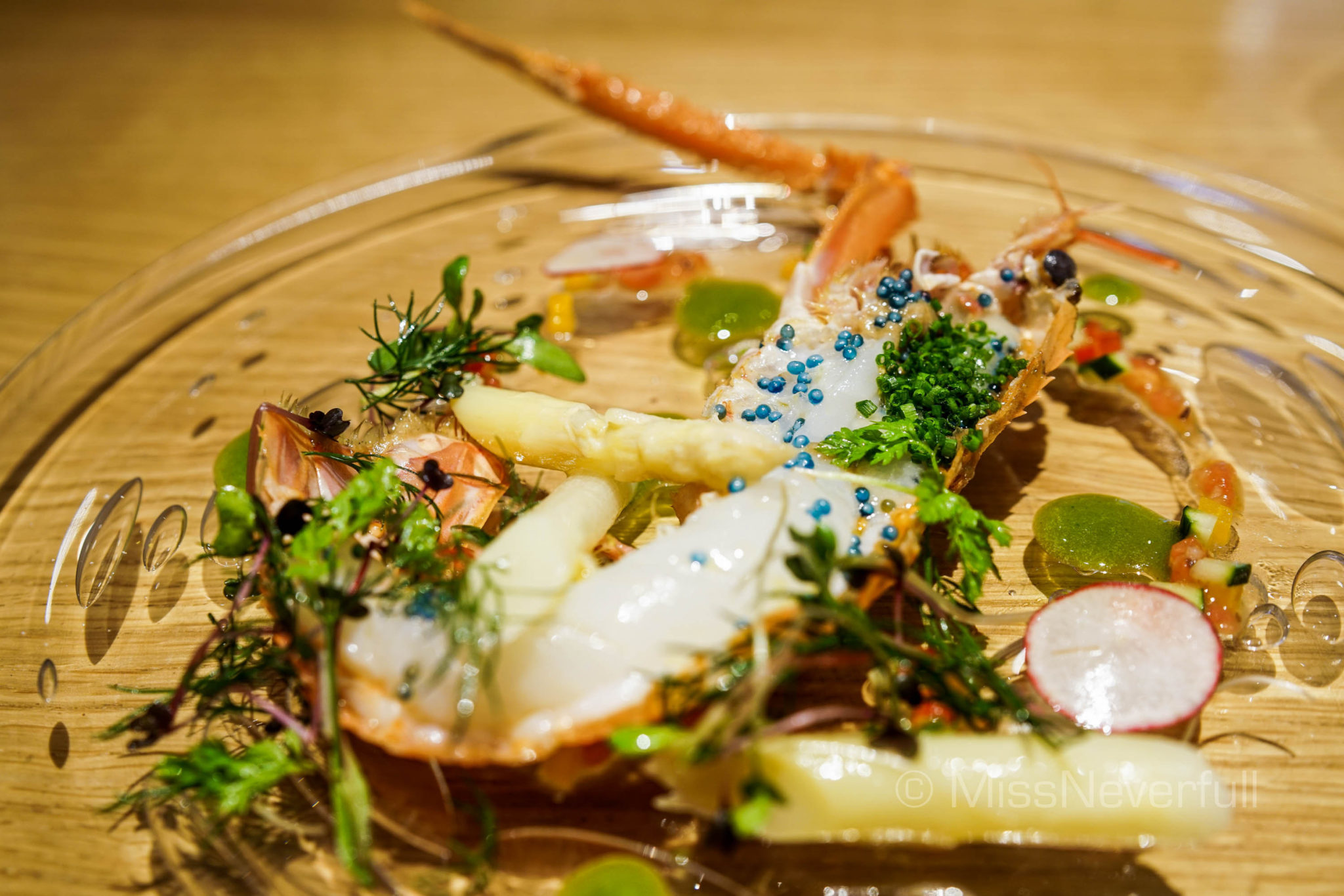 Shizuoka Scampi, white asparagus, tomato puree, lobster caviar