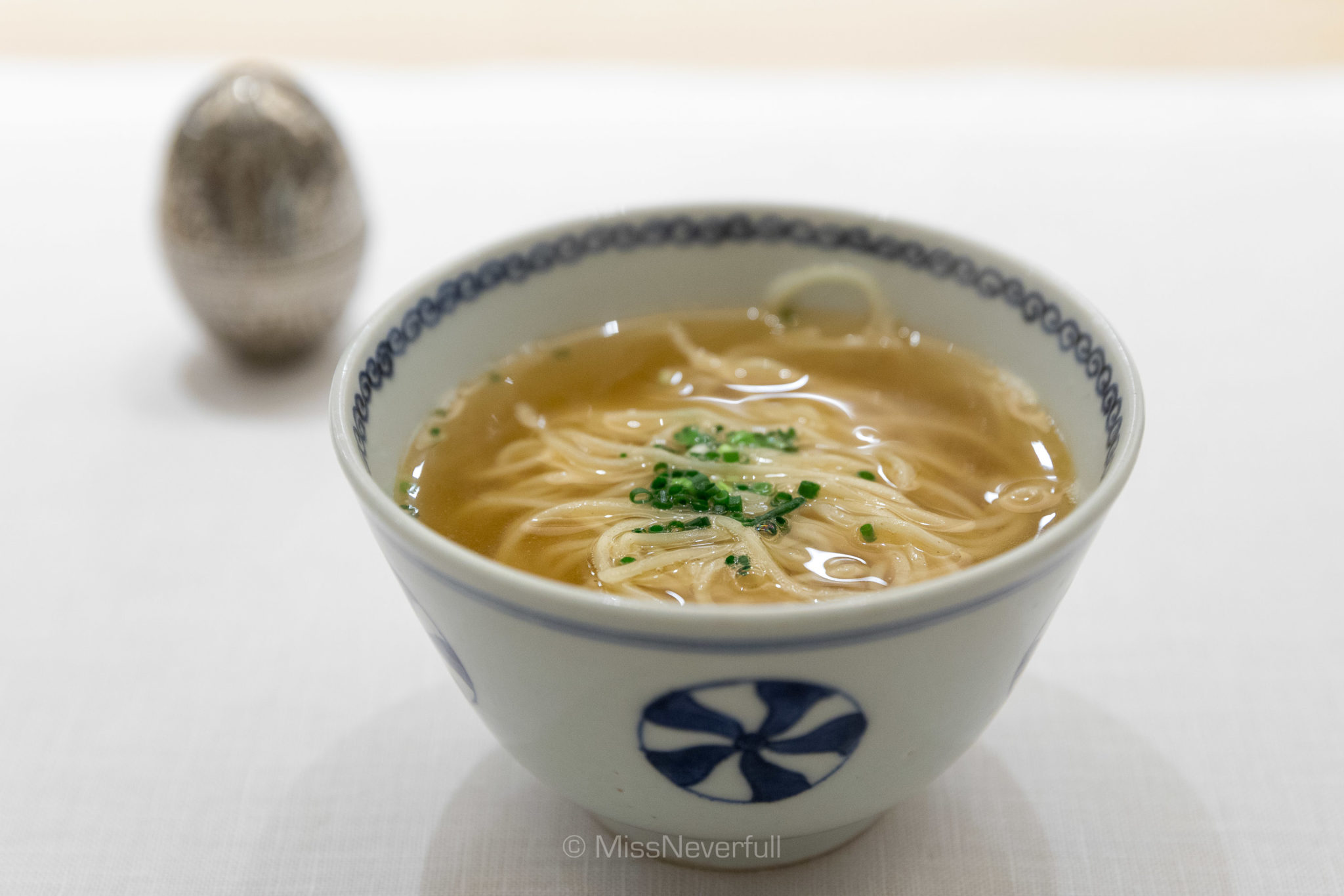 Soup noodle with scallions oil (つゆそば )