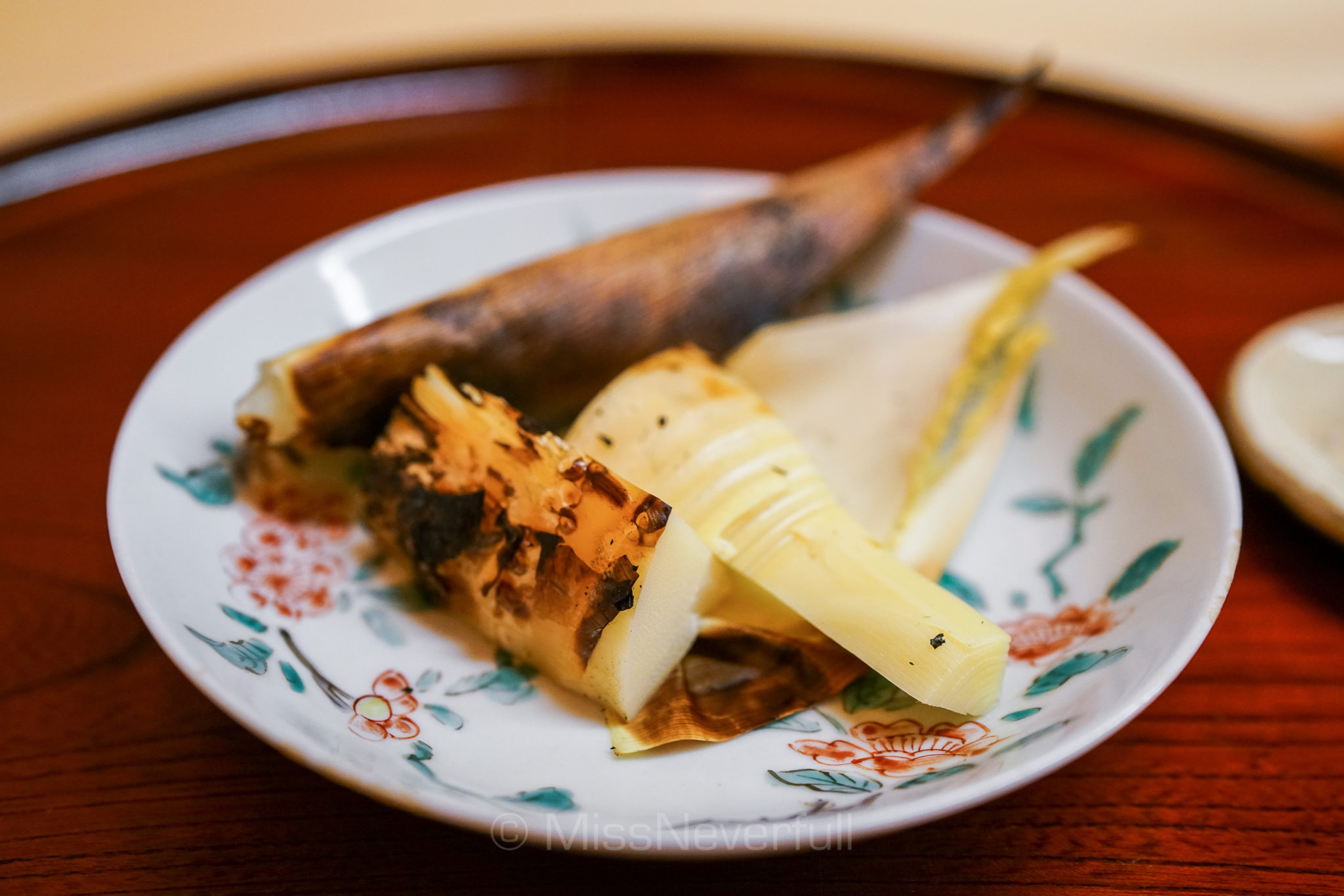 8. 京都の筍炭火焼 | Char-grilled bamboo shoots from Kyoto