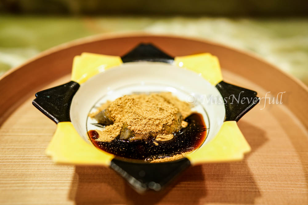 10. Warabi mochi with Kuromitsu syrup and kinako powder - sweet ending