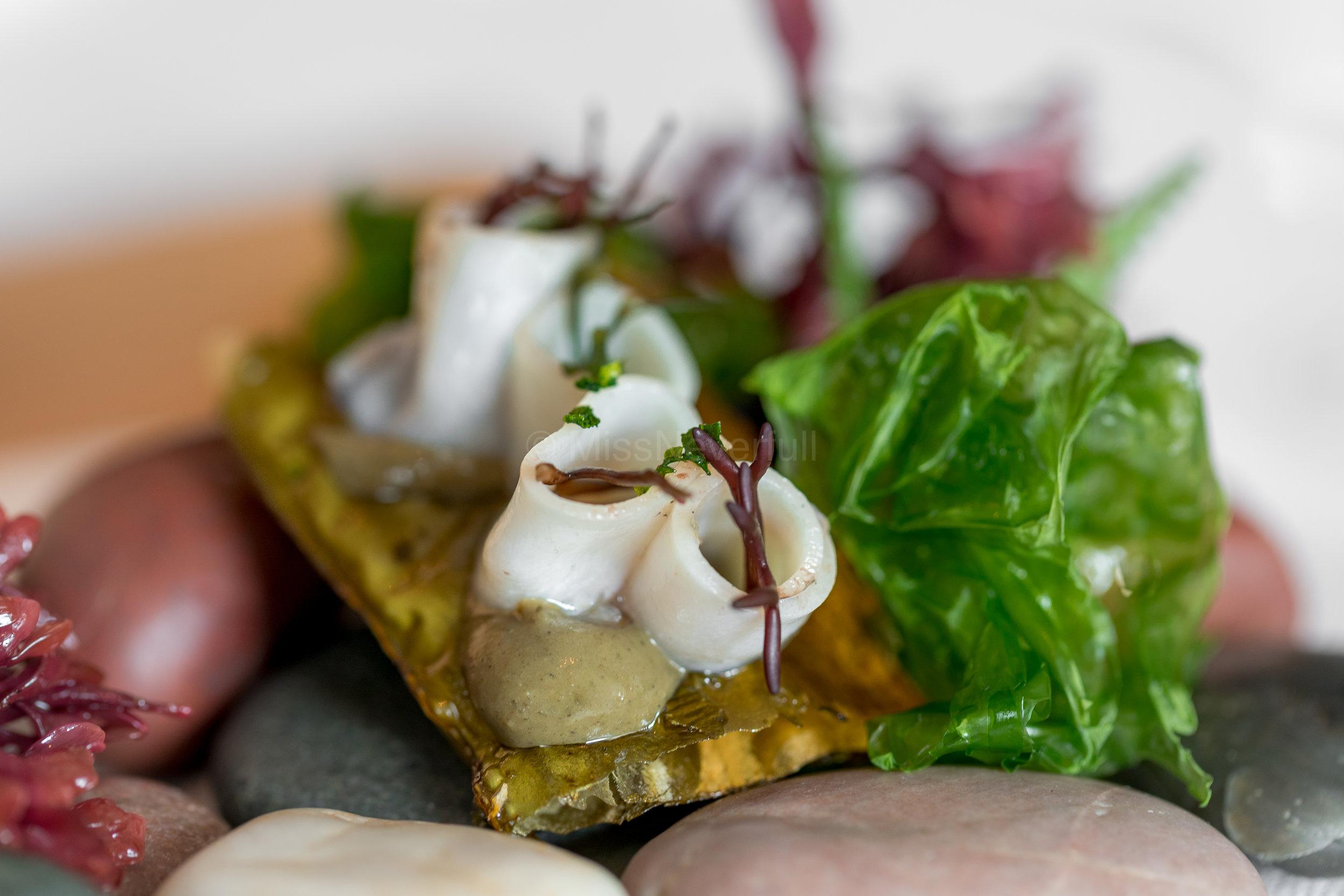 Alabone and its liver sauce on crispy kombu