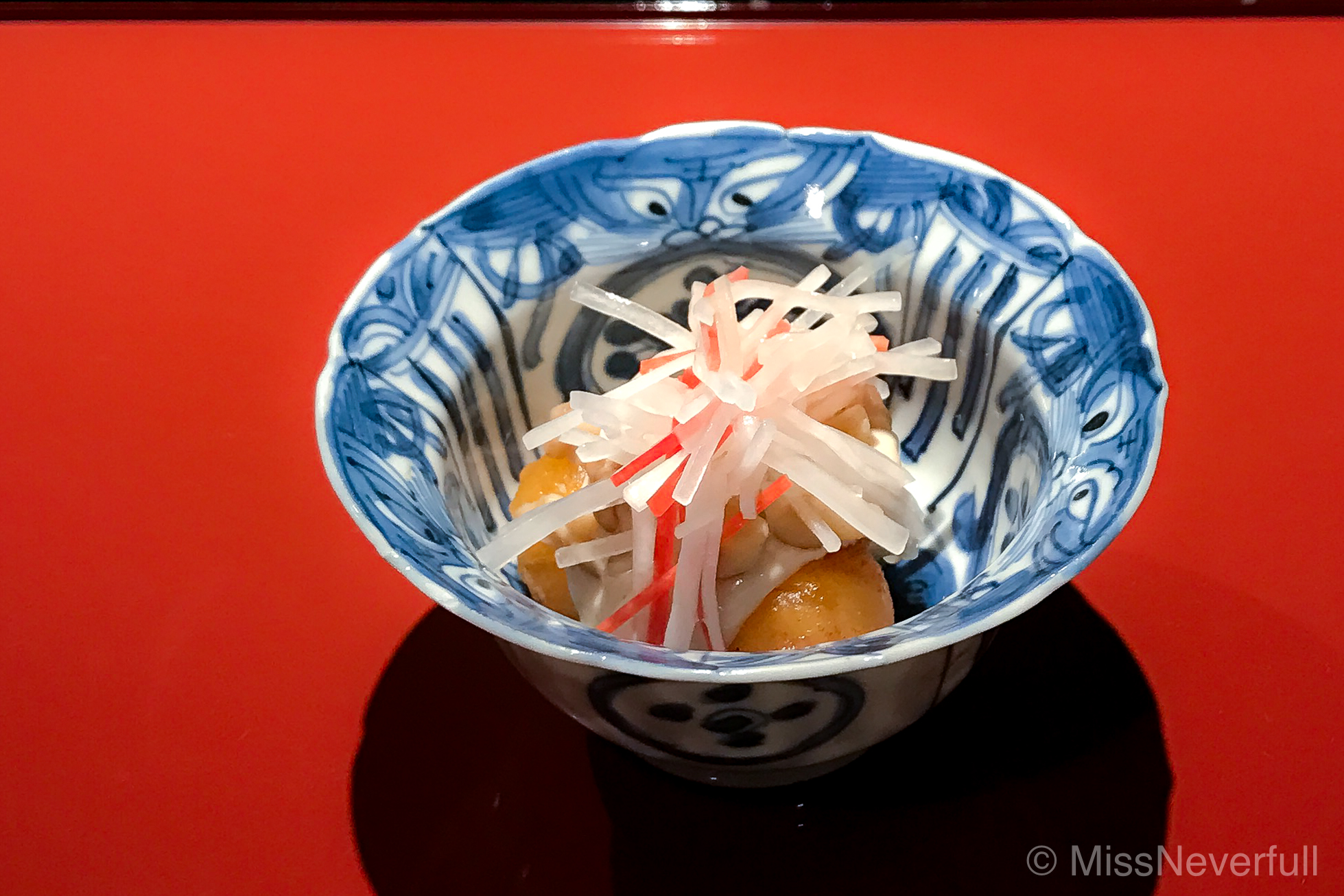 2.Deep-fried persimmon, pickled radish and carrots