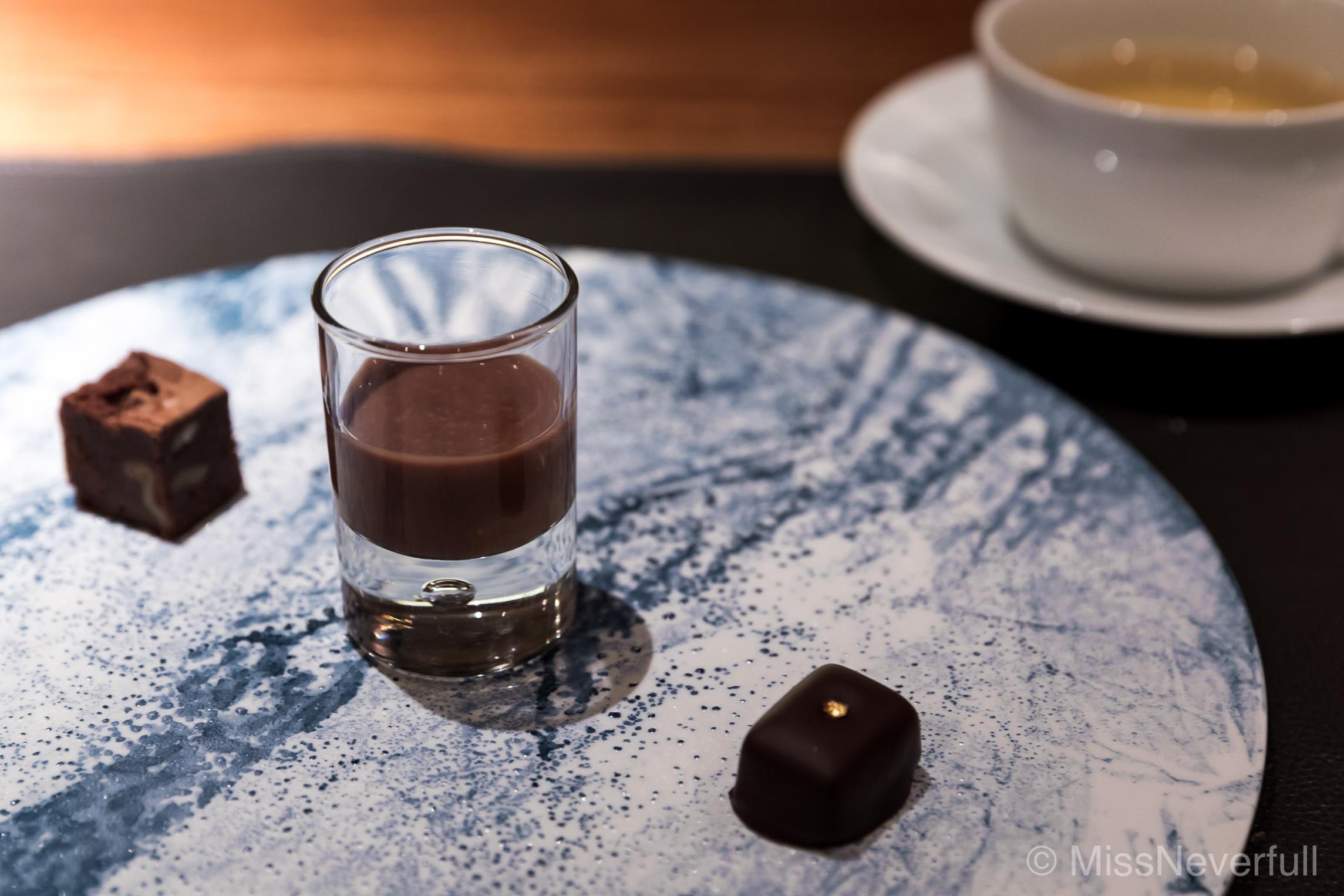 Petit fours: Chocolate trio