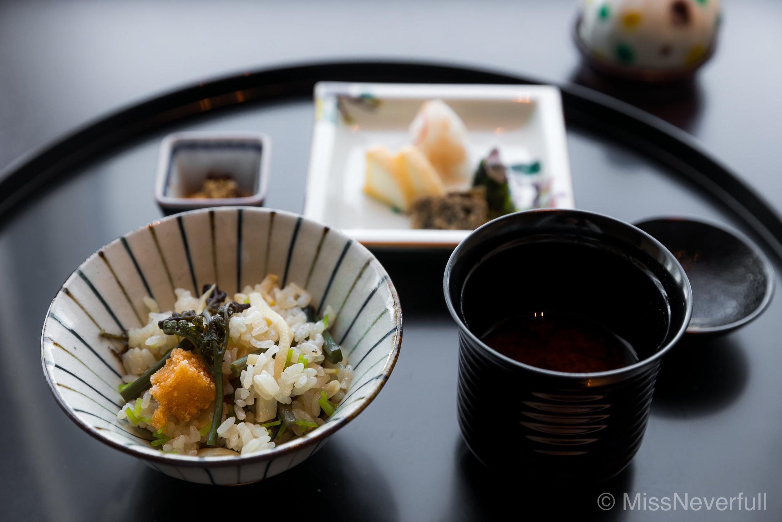 7. 筍と山菜のご飯 | Bamboo and mountain vegetable rice, red miso soup and pickles