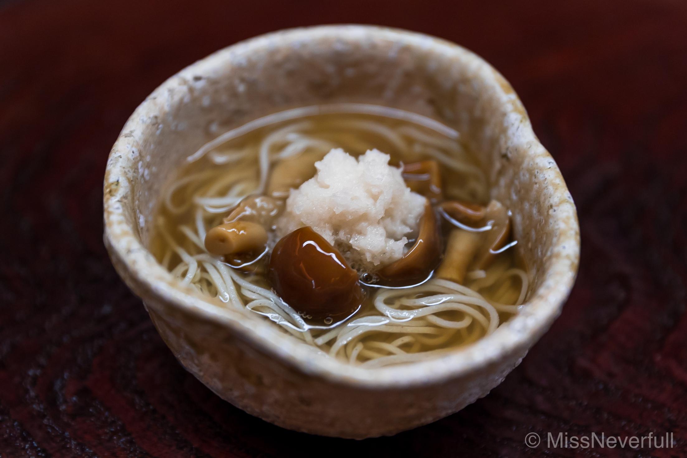 11. Soba, spicy daikon, kinoko mushroom