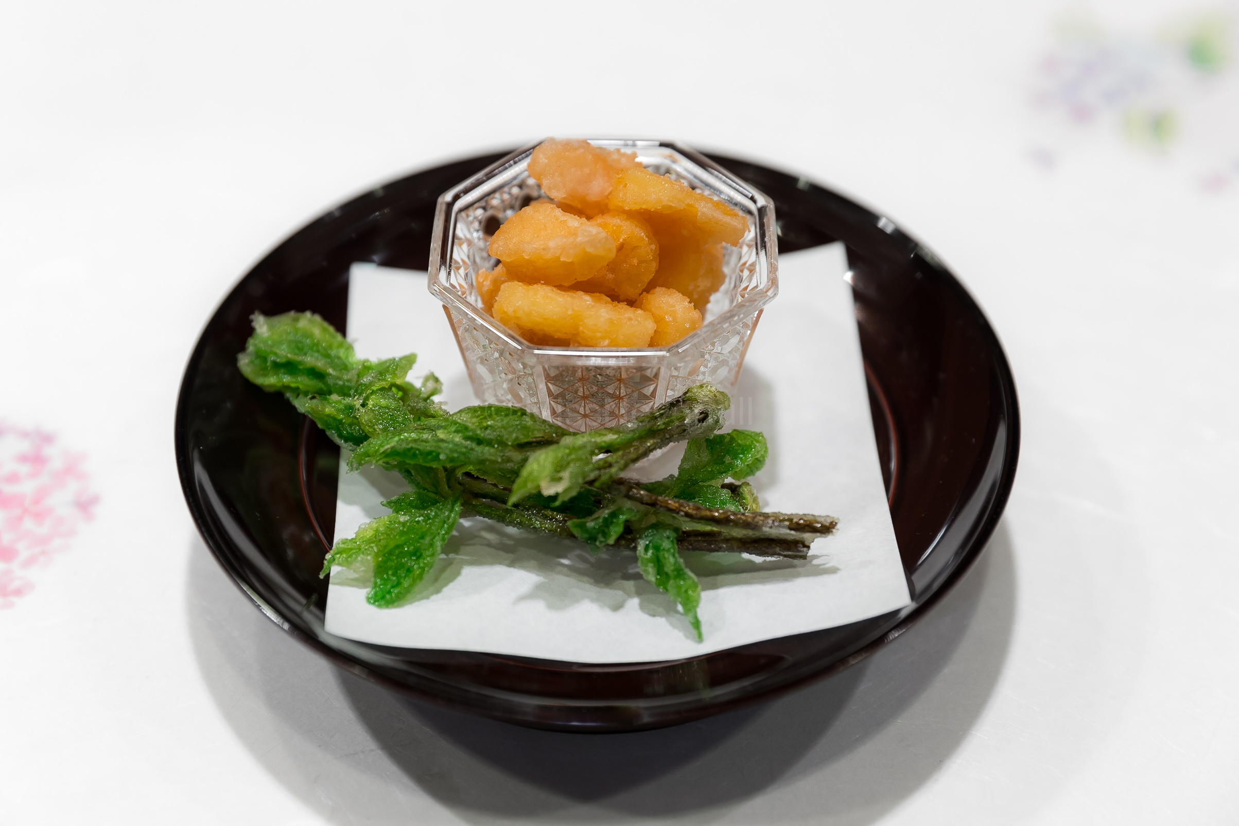6.Deep-fried Kojiabura and Tsubugai (whelk) | コシアブラ、つぶ貝