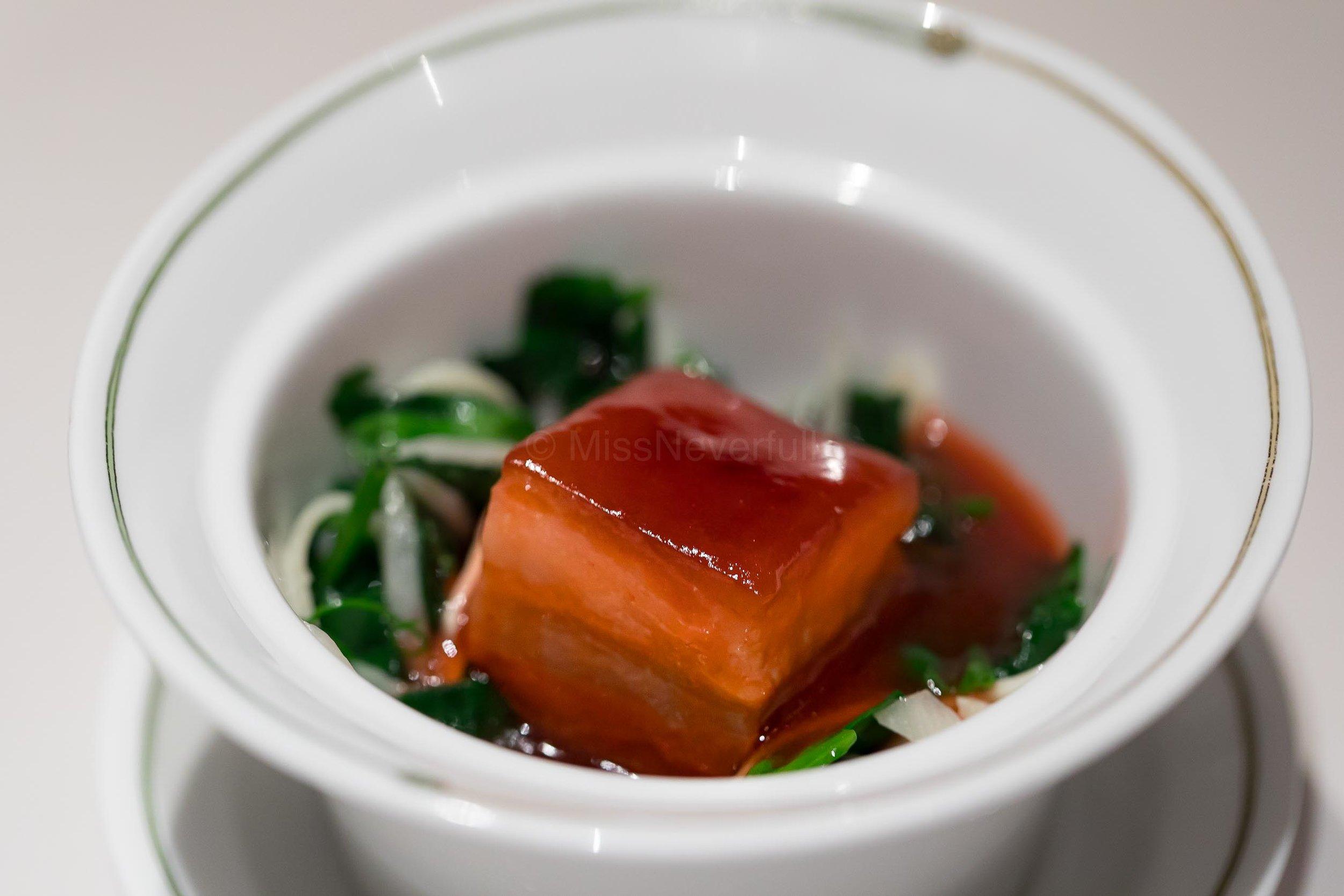 招牌東坡肉 (JPY 1,000/person) Signature 'Dongpo' Pork
