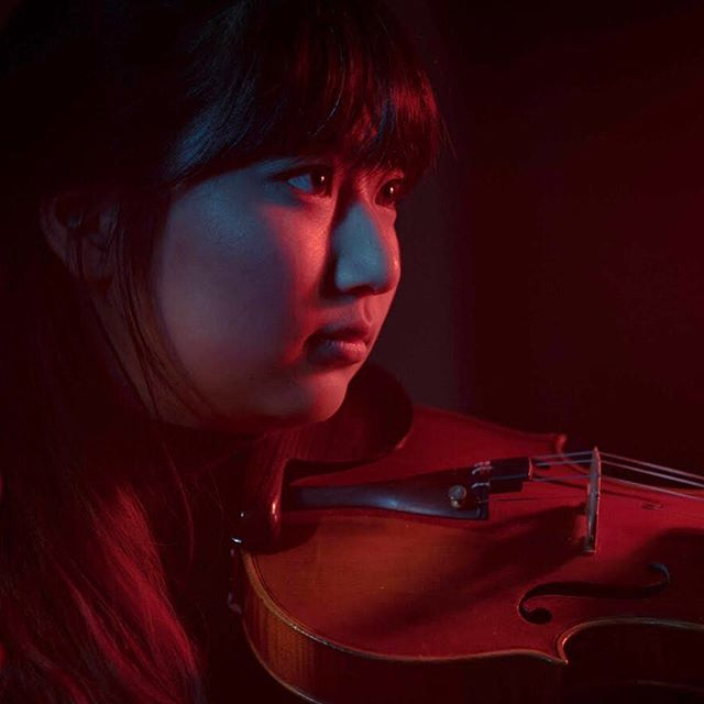 Powerhouse violinist Vivian Cheng moonlights as a biochemical engineering student when she's not shredding on the violin in Millennium. What a beast. . . . . . . #violinist #violin #strings #millennium #millenniummovement #indieorchestra #poporchestra #music #musician #atlantamusician #athensmusic